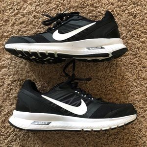 Women's Nike Black Athletic Shoes, Size 7